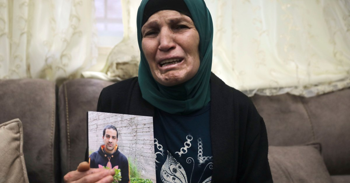 Israeli Defense Minister Apologizes for Death of Unarmed Palestinian Man by Police