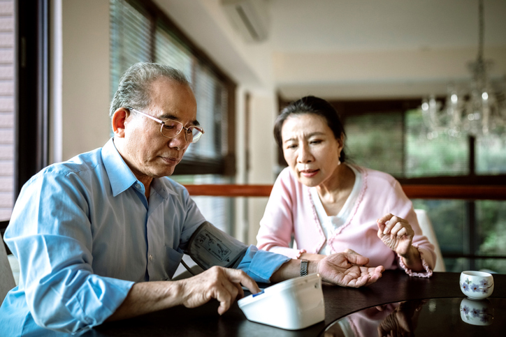 Can controlling blood pressure later in life reduce risk of dementia?