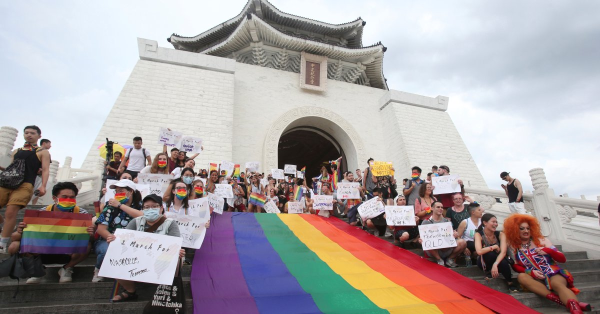 Taiwan Holds Annual LGBT Pride Parade Despite Coronavirus Concerns