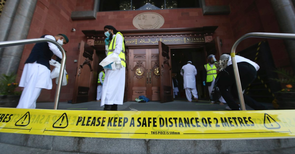 U.K. Halts Easing Coronavirus Lockdown Measures in Response to Rising COVID-19 Cases