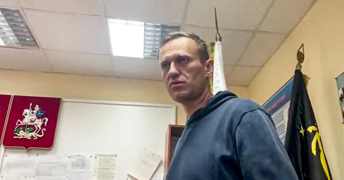 Kremlin Critic Alexei Navalny Jailed for 30 Days as His Supporters Plan Protests