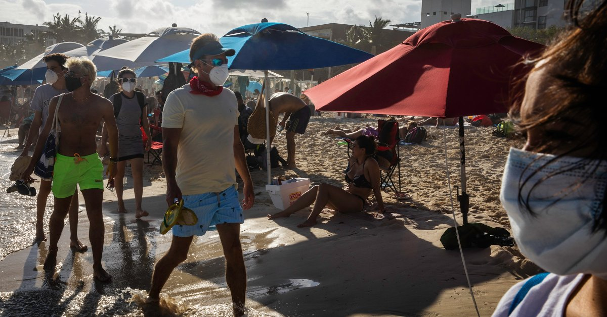 Tourists Are Returning to Cancún. But Workers' Fears About COVID-19 Never Went Away