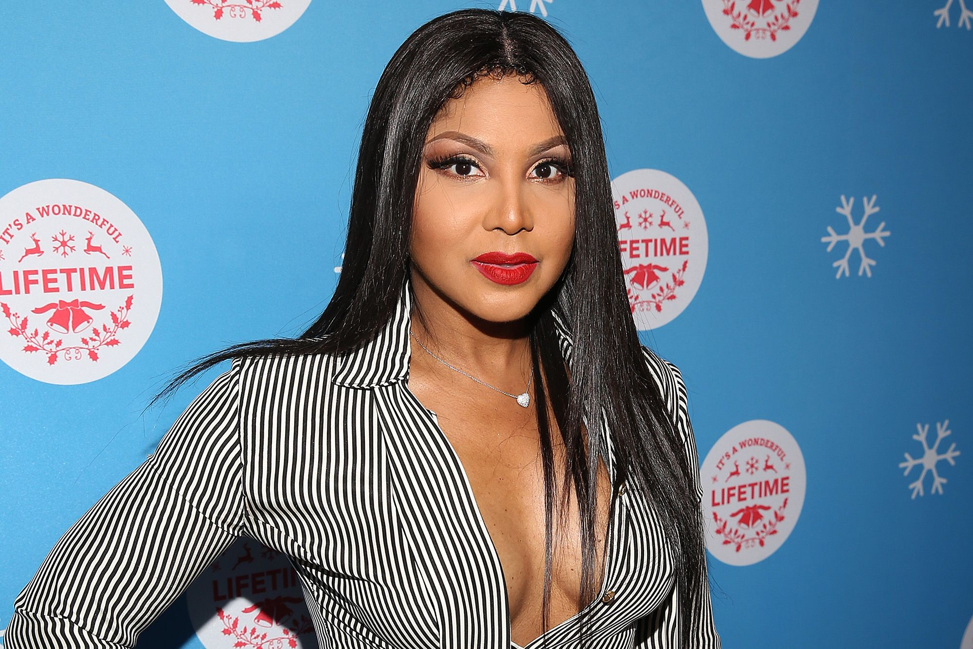 Toni Braxton Is Having The Time Of Her Life On A Boat Trip - Check Out Her Video